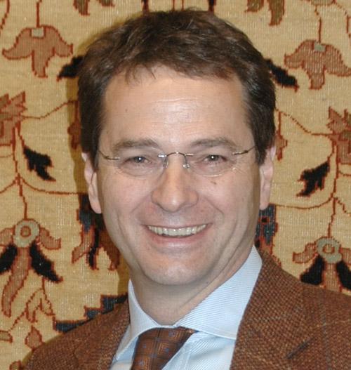 Dr. Maximilian Grothaus